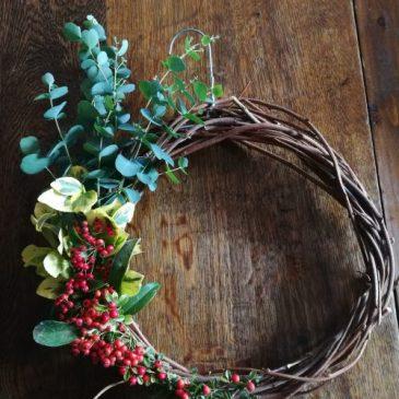 Défi n°1 : Fabrique ta couronne de Noël !